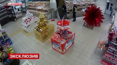 Полицейского избили в столичном супермаркете