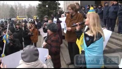 Одесса, «Антимайдановцы» битами избивают активистов Евромайдана и журналистов у здания ОГА
