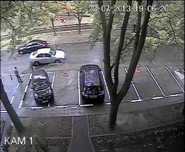 Уникальный выезд из парковки.