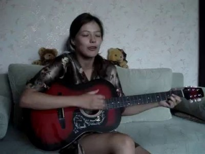 нежЫрная девочка поёт!