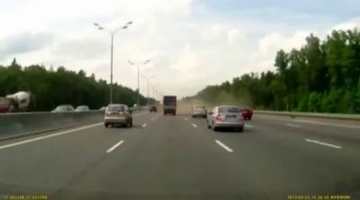 Трагедия на МКАДе - взрыв колеса у бензовоза