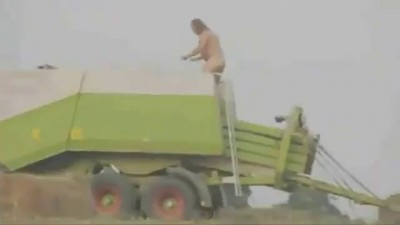 тракторист спонч боб