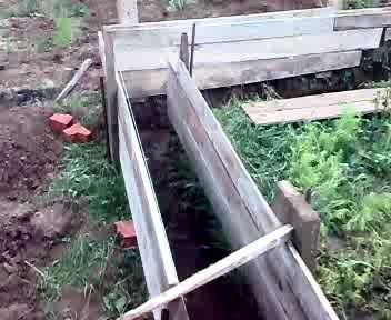 Выкопали фундамент