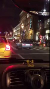 Пешеход помешал сракеру понтанутся!
