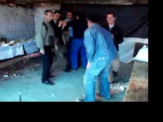 танцы в сарае
