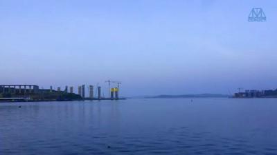 Строительство моста на о. Русский (1.5 года за 7 минут)