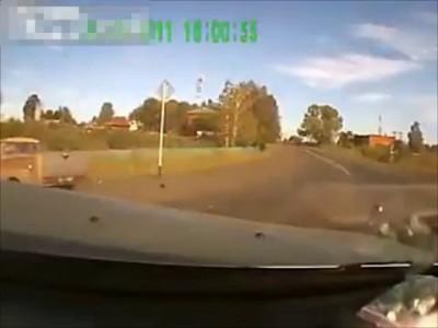 При аварии водитель вылетел из автомобиля!!!
