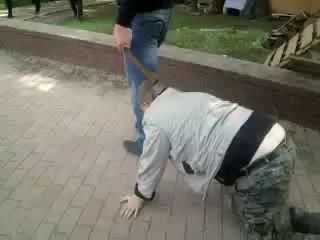 Луганск Евромайдановец срывал объявления о рефер