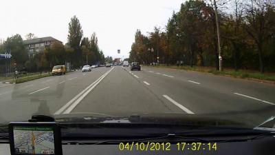 Экстренное торможение перед пешеходным переходом