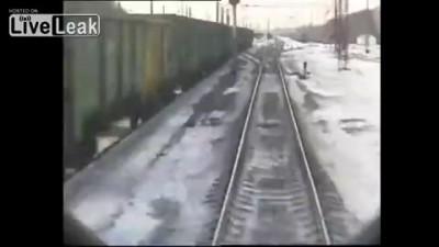 Поезд сбил работника ЖД