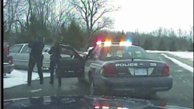 Офицер полиции стреляла в безоружного