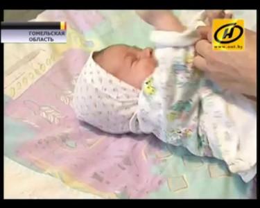 Мать закопала сына в снегу, ребенка спасли, Беларусь