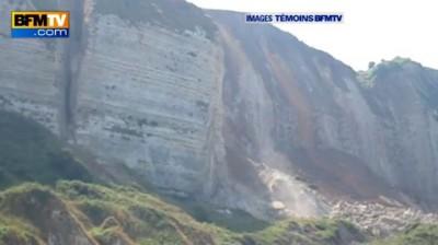 Огромная глыба скалы рухнула на пляж ...