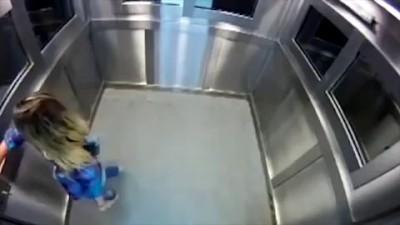 Розыгрыш с трупом в лифте довел до срыва