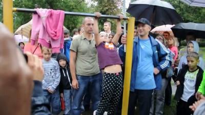 Шестилетняя девочка Марина подтягивается 26 раз