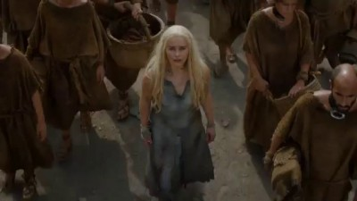 Game of Thrones Season 6 Daenerys walks with the Dothraki