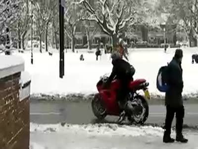 Ducati 1098S crash in London Snow