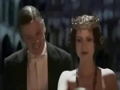Королева в восхищении! Мы в восхищении!