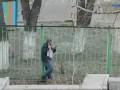 Мужик и забор