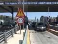 В греции заглючили шлагбаумы на платной дороге ..