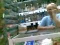 Продавщица под бутератом