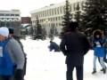 Полиция разгоняет молодогвардейцев