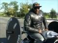 Жим штанги на мотоцикле