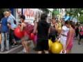 Флешмоб: прыгающие шарики в магазине