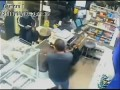 Продавец с мачете прогнал грабителя из магазина в США