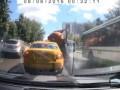 """Машина с городскими нечистотами """"взорвалась"""" на севере Москвы"""