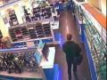 Ограбление магазина электроники в Киеве ...