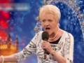 80-летняя старушка спела Эдит Пиаф