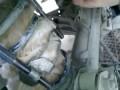 Кот застрял в подвеске машины
