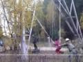 Баловство детей на высоковольтке. High-voltage kids pranks.
