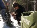 Отмороженный мотоциклист на склонах водопада