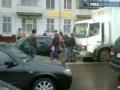 Водитель ВАЗ-2109 подрезал автофургон и подрался