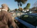 Слепой за рулем авто