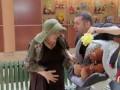 Беременная бабуля (Pregnant Granny Prank)