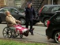 """Зацепер"" с собачкой (Man In Wheelchair Gets Pulled By Car Prank)"