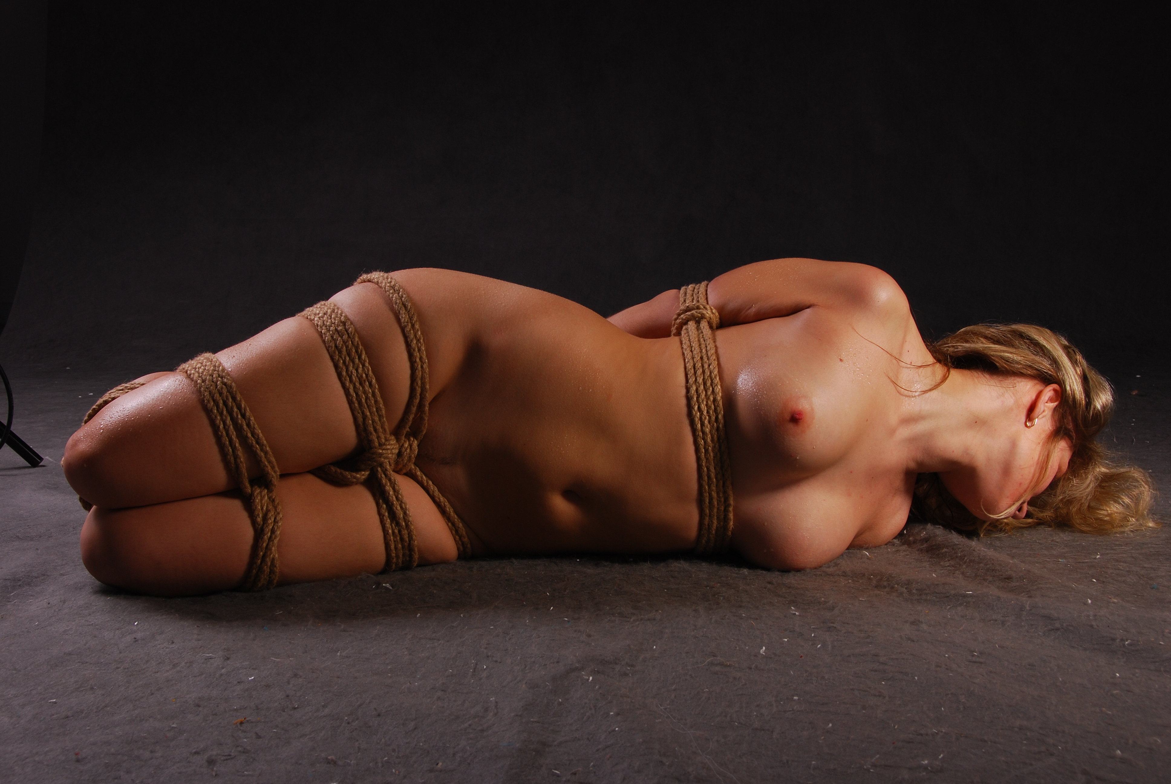 Head rope bondage